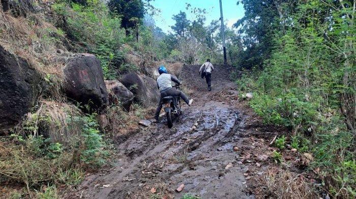 Wabup Thomas Ola Langoday Tinjau Lokasi Banjir dan Longsor di Kecamatan Nagawutung Lembata
