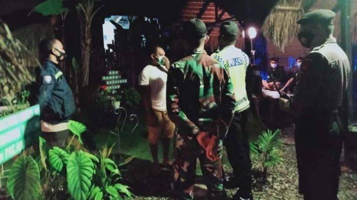 Tim Gabungan TNI-Polri Gelar Patroli PPKM di Kota Kefamenanu, TTU