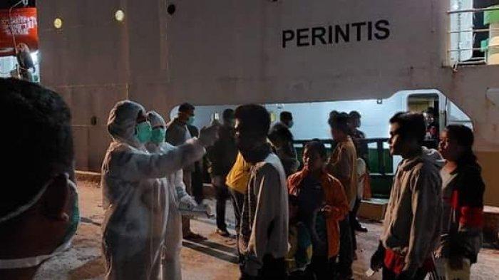 Gugus Covid -19 Sumba Barat Jemput Penumpang KM Bukit Patung
