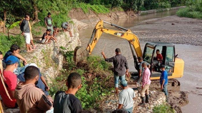 Kajari TTU : Bronjong pada Bantaran Kali Tauf di Wilayah Maslete Sedang Diperbaiki