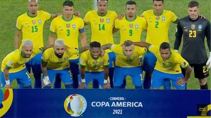 Timnas Brasil saat melakukan sesi foto bersama jelang pertandingan melawan Peru di Copa America, Jumat 18 Juni 2021 pagi WIB.