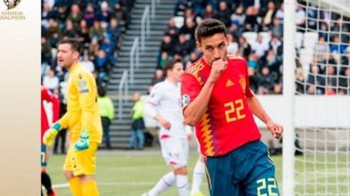 Bek kanan timnas Spanyol, Jesus Navas, merayakan gol yang dicetak ke gawang Kepulauan Faroe dalam laga Grup F Kualifikasi Euro 2020 di Stadion Torsvollur, Jumat (7/6/2019)