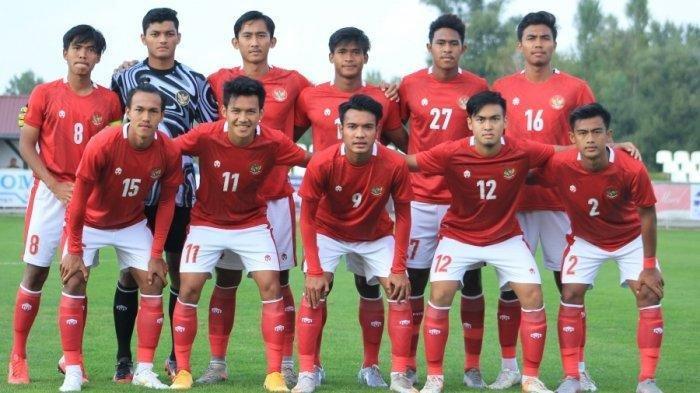 Skuat Timnas U-19 Indonesia asuhan pelatih Shin Tae-yong.Timnas Indonesia U-19 vs Makedonia Utara tidak dapat ditonton via Live Streaming Net TV, hanya bisa via Live Streaming Mola TV mulai pukul 19.45 WIB.