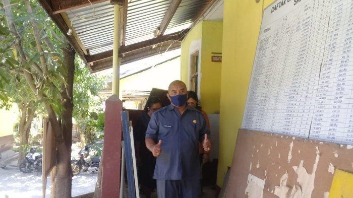 Kadis Dikbud Kota Kupang  Apresiasi Panitia Swakelola SMPN 5, di SDN 2 Naikoten Disuruh Ganti Kayu