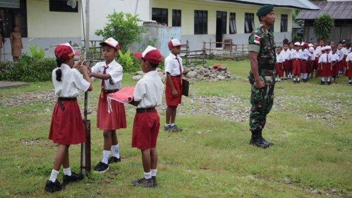 TNI Tanamkan Sikap Cinta Tanah Air Bagi Anak Sekolah