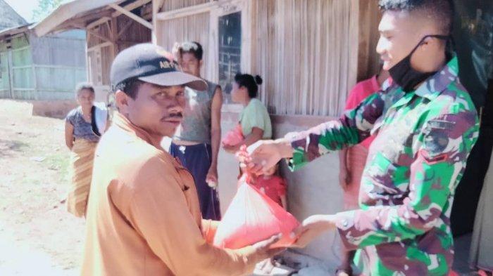 TNI Berbagi Kasih dengan Warga Perbatasan Indonesia-Timor Leste