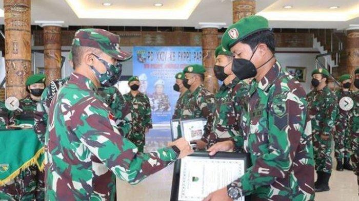 Sergap 2 KKB Papua, Prajurit TNI Dapat Penghargaan & Tali Asih dari Mayjen Ignatius Yogo