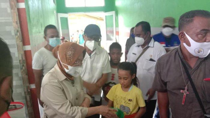 Mensos Risma Janji Korban Bencana Lembata Terima Kartu PKH Lagi Dalam Waktu 2 Minggu