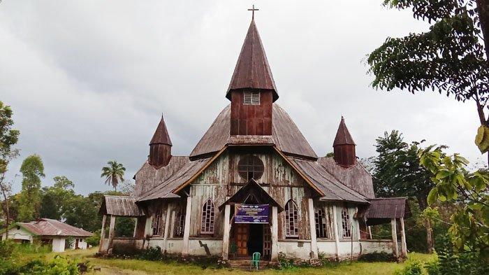 TRIBUN WIKI: Pesona Gereja Tua Lengko Ajang, Bangunan Berarsitektur Eropa