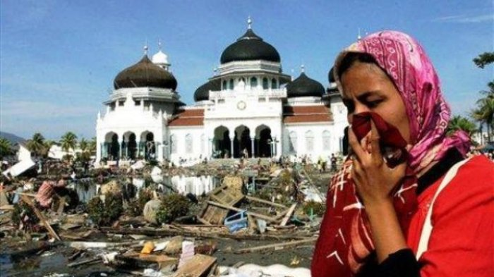 13 Tahun Tsunami Aceh - Netizen Bagikan Kisah Haru Berpisah dengan Keluarganya!