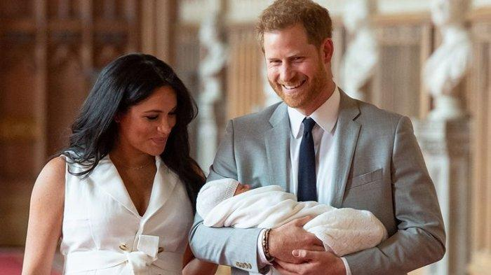 Lihat Alasan  Megan Markle dan Pangeran Harry Mundur dari Anggota Keluarga Inggris, Simak YUK