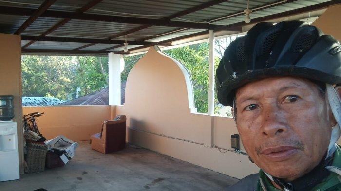 Pesepeda Senior Udin Muda, yang meninggal akibat lakalantas di lampu merah Jalan Frans Seda, Kota Kupang, NTT, Jumat 23 April 2021