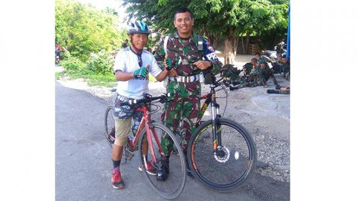 Pesepeda Senior Udin Muda semasa hidupnya. Udin Muda meninggal dalam lakalantas maut di lampu merah Jalan Frans Seda, Kota Kupang, NTT, Jumat 23 April 2021 )