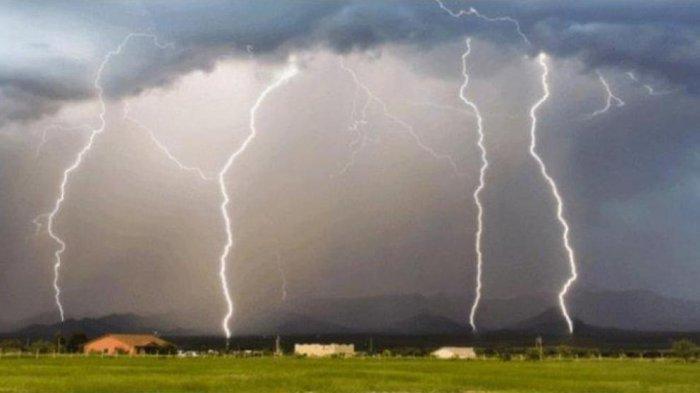 Peringatan Dini BMKG Kamis 8 Juli 2021: Waspada 25 Wilayah Ini Berpotensi Alami Cuaca Ekstrem