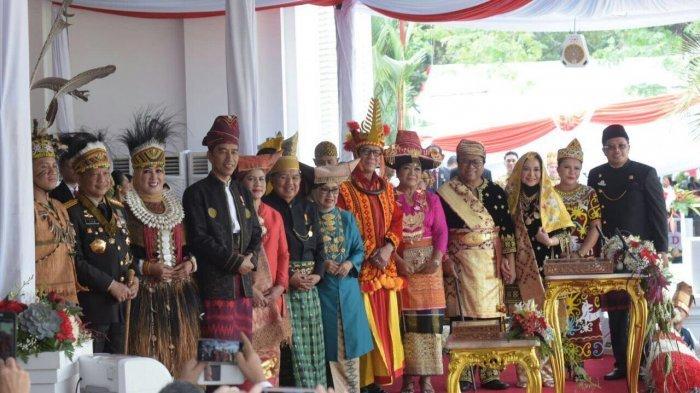 Sebelum Upacara Kemerdekaan RI 2018, Jokowi dan istri Lakukan Hal Romantis Dibalik Pintu