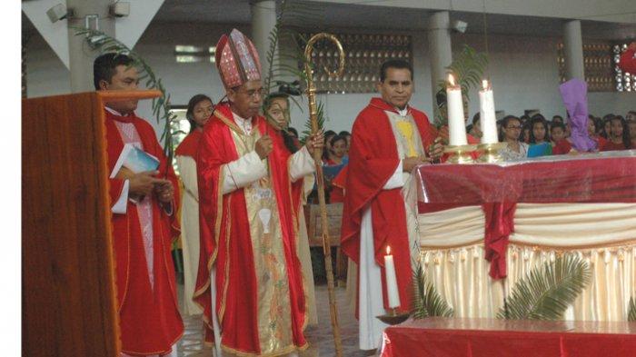 Ribuan Warga Perbatasan RI-RDTL Hadiri Misa Minggu Palma di Gereja Katedral Atambua