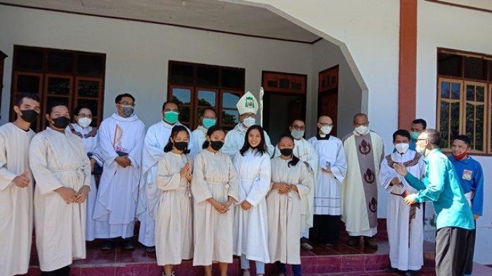 Uskup Ruteng, Mgr Siprianus Hormat, Pr, melakukan kunjungan Pastoral Kegembalaanya di Paroki St Gregorius Borong, di Kevikepan Borong, Kabupaten Manggarai Timur.