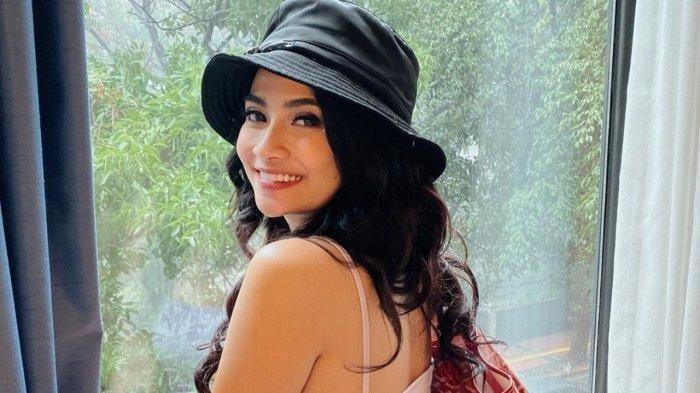 Vanessa Angel: Support Keluarga