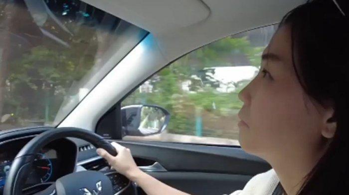 Veronica Tan Ungkap Screening Covid-19, Caranya Kemudikan Mobil Wuling Jadi Sorotan, Ada Apa?