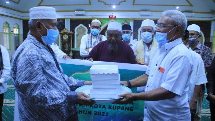 Ramadan 2021 : Wujud Toleransi, Pemerintah Kota Kupang Berbagi Takjil