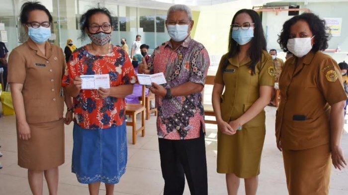 Pernah Dinyatakan Positif Covid-19, Wakil Wali Kota Kupang dan Istri  Divaksin