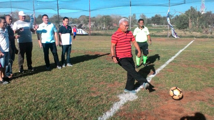 Saat Membuka BUKFOS CUP, Wakil Walikota Kupang Tekankan Sportivitas