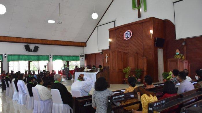 Saat Hadiri Ibadah Emeritasi 5 Pendeta GMIT, Walikota Pesan Tetap Layani Tuhan Hingga Akhir Hayat