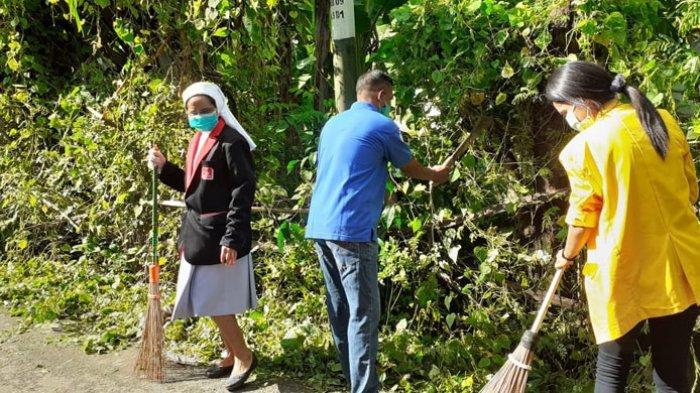 Warga Batuplat dan Mahasiswa Gotong Royong Bersih Lingkungan Cegah DBD