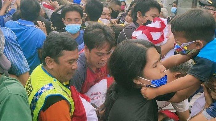 Cara Jokowi Bagi-bagi Bingkisan Dikritik, Presiden Memberikan Contoh Buruk di Tengah Pandemi