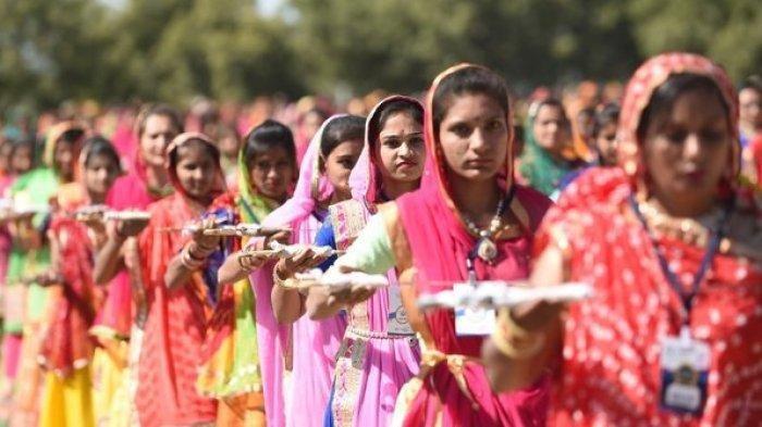 Usir Covid-19, Warga India Rela Lakukan Hal Menjijikan hingga Mengerikan Ini, Berharap Dewa Terkesan
