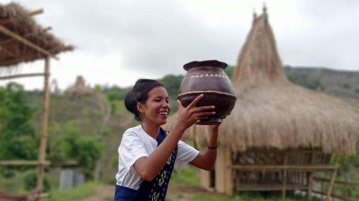 Wisata Bukit Damai di Sumba Barat: Nikmati Kampung Adat Liti yang Eksotis