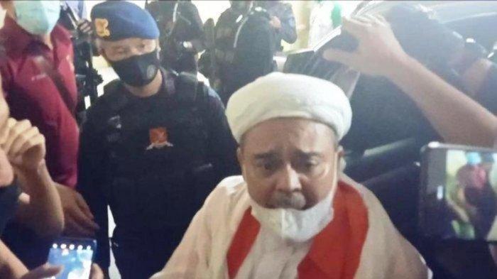 Pagi Ini Rizieq Shihab Bacakan Pleidoi Kasus Petamburan, Akankah Hakim Kabulkan Permintaan Habib?