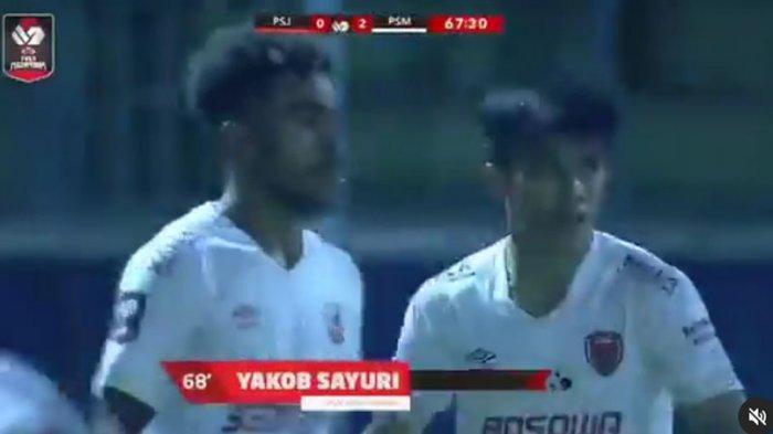 Striker PSM Makassar Yakob Sayuri Jadi Ancaman Skuad Bhayangkara Solo FC ? Ini Realitasnya