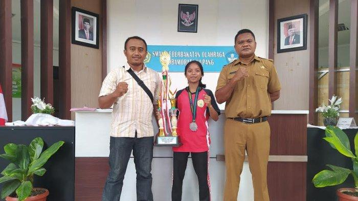 Remaja Asal Rote NTT, Sabet Juara Nasional Lari 10 K, Yulk Simak !