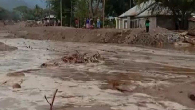 banjir-kembali-terjang-beberapa-desa-di-pulau-adonara-tak-ada-korban-jiwa.jpg