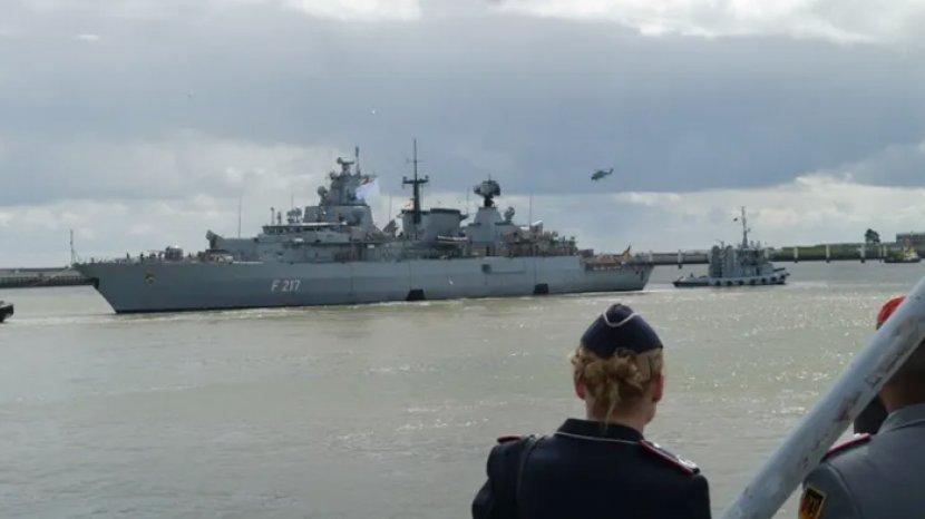 fregat-jerman-kapal-perang.jpg