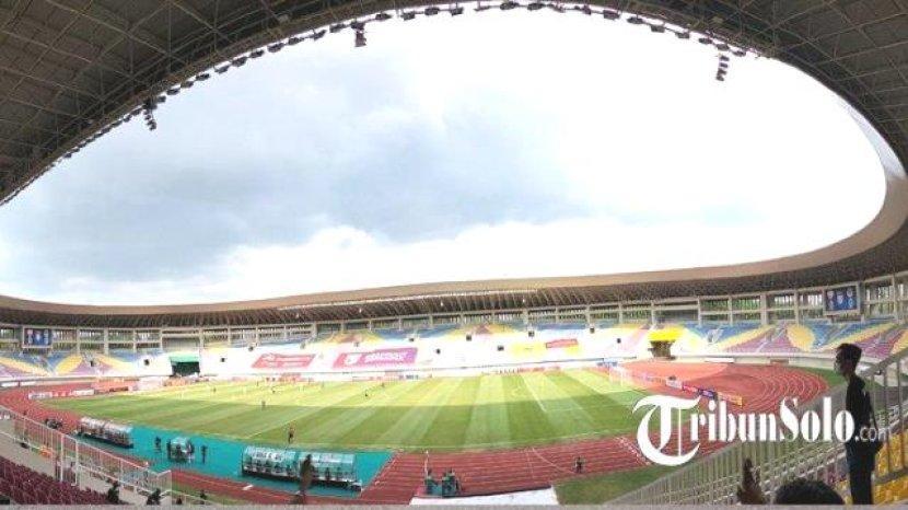 stadion-manahan-lapangan-dalam-stadion-manahan-solo.jpg