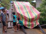 akses-transportasi-jalan-reo-pota-manggarai-timur-lumpuh-total.jpg