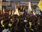 aksi-demo-mahasiswa-di-dpr-dinginnya-respon-jokowi-hingga-ancaman-bermalam.jpg