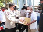 alumni-akpol-88-berbagi-ratusan-sembako-dan-pelayanan-vaksinasi-bagi-warga-pesisir-tablolong.jpg