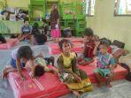anal-anak-yang-merupakan-korban-bencana-banjir-bandang-di-desa-nelelamadike.jpg