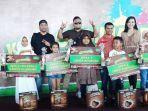area-sales-manager-pt-nestle-indonesia-kupang-rino-argata-rinjani-pose-bersama-pemenang-lomba.jpg