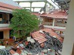 atap-kantor-bupati-sabu-raijua-yang-ambruk-akibat-badai.jpg