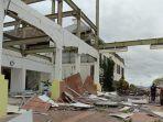 badai-siklon-tropis-seroja-luluhlantakkan-sabu-raijua-ribuan-unit-bangunan-rusak.jpg