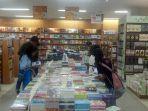 banjir-promo-ramadhandi-toko-buku-gramedia-kupang.jpg