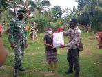 bantuan-paket-sembako-dari-presiden-ri-kepada-warga-desa-ilinmedo.jpg
