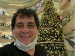 carlos-oliveira-merayakan-natal-di-indo.jpg