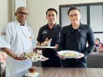 chef-asri-sales-executive-dicky-rando-sales-manager-and-pr-freiny-helen-karundeng.jpg