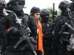 densus-88-membekuk-para-pelaku-teroris-di-indonesia-pa.jpg