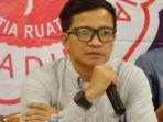 direktur-eksekutif-amnesty-international-perwakilan-indonesia-usman-hamid_20170514_225321.jpg